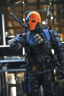 arrow-deathstroke-man-under-hood