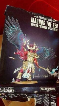 magnus-the-red-box